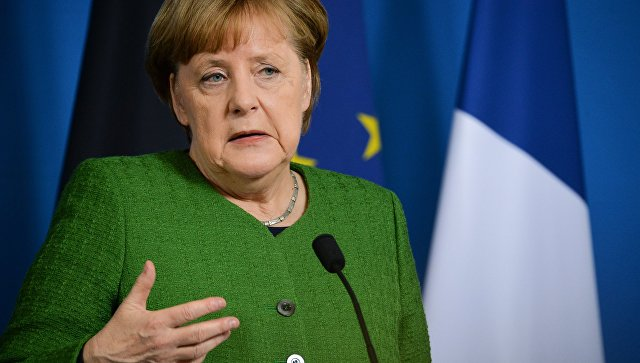 Путин иМеркель договорились продолжать урегулирование конфликта вДонбассе в«нормандском формате»