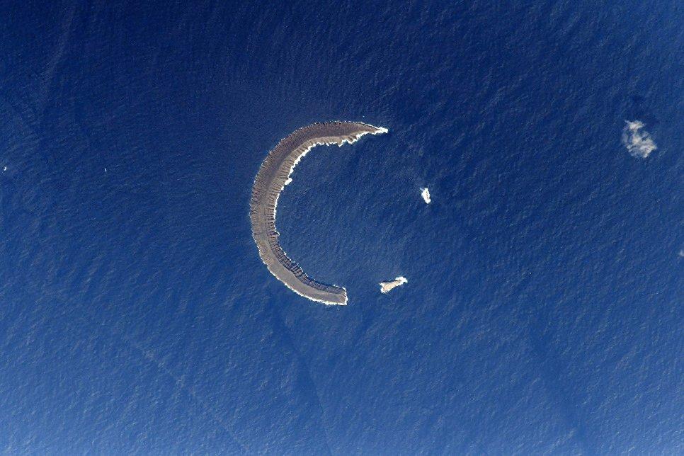 Остров Тортуга - полумесяц в Тихом океане