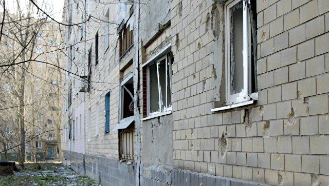 Жилой дом  Куйбышевского района после ночного обстрела в Донецке. Архивное фото