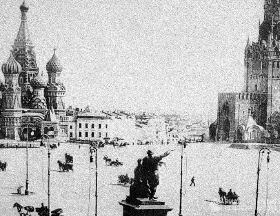 Первое электрической освещение Красной площади