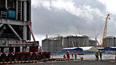 Строительство завода Ямал СПГ и морского порта Сабетта. Архивное фото