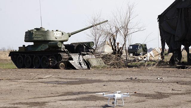 Техника, готовящаяся к параду Победы в Луганске, поврежденная артобстрелом ВСУ