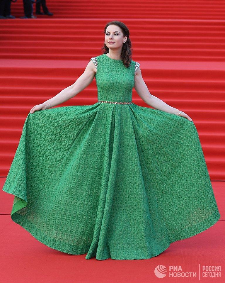 Актриса Ирина Лачина на церемонии открытия 40-го Московского международного кинофестиваля (ММКФ)