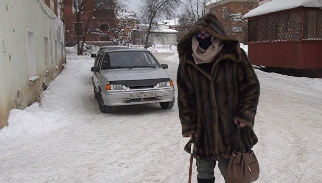 Денис Сафронов во время операции по задержанию подозреваемого в нападениях на пожилых женщин
