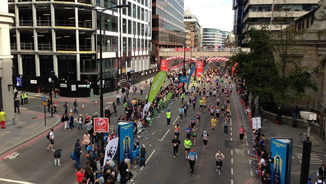 Парализованный англичанин смог побороть Лондонский марафон