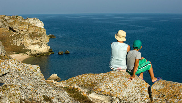 Генеральские пляжи на Азовском море в Крыму. архивное фото