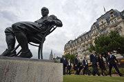 Памятник Набокову в Монтрё