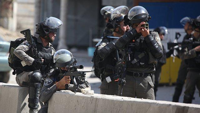 Израильские военнослужащие во время протестов в Палестине. Архивное фото
