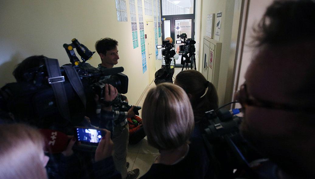Четыре журналиста Russia Today перестали выходить на связь в Киеве после вторжения СБУ в офис РИА