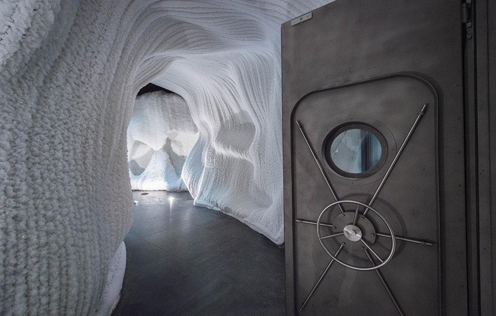 Ледяная пещера в парке Зарядье