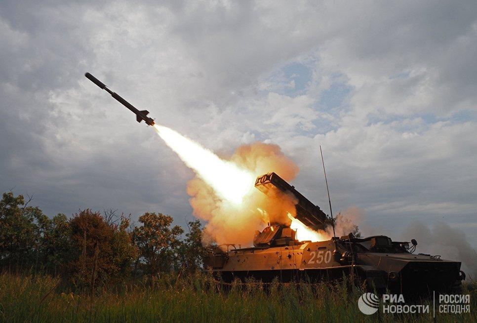 Стрельбы из зенитно-ракетного комплекса Стрела-10 на всеармейском конкурсе Чистое небо-2018 в Краснодарском крае. 23 мая 2018
