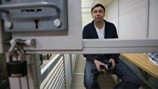 Руководитель портала РИА Новости Украина Кирилл Вышинский в суде. Архивное фото