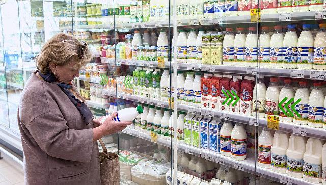 В Москве провели контрольную закупку молока и сыра