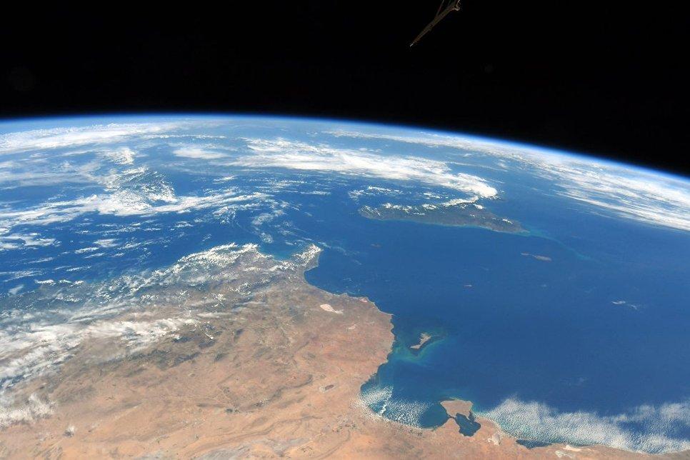 Берег Туниса, Сицилия и островное государство Мальта снятые с борта МКС космонавтом Роскосмоса Антоном Шкаплеровым