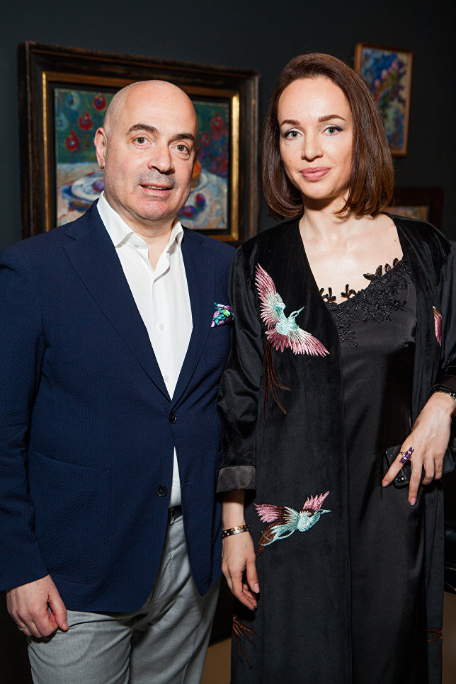 Михаил Грушевский с женой на выставке Импрессионизм в авангарде в Музее русского импрессионизма в Москве