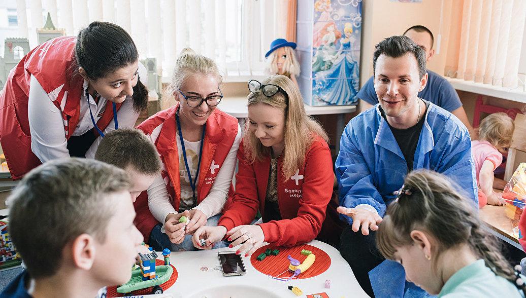 Волонтеры-медики поделятся опытом с зарубежными коллегами