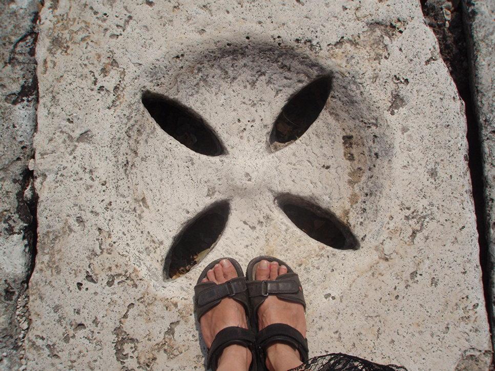 Необычный люк в Риме