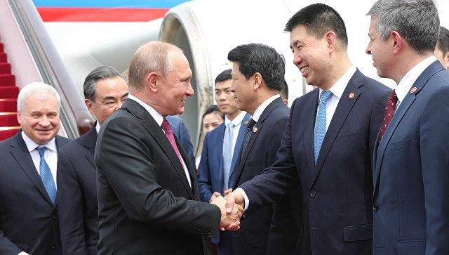 Навстрече В. Путина  спредседателем Китайская республика  ансамбль  сыграл «Катюшу»