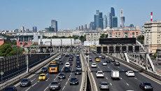 Третье транспортное кольцо и небоскребы Московского международного делового центра Москва-сити
