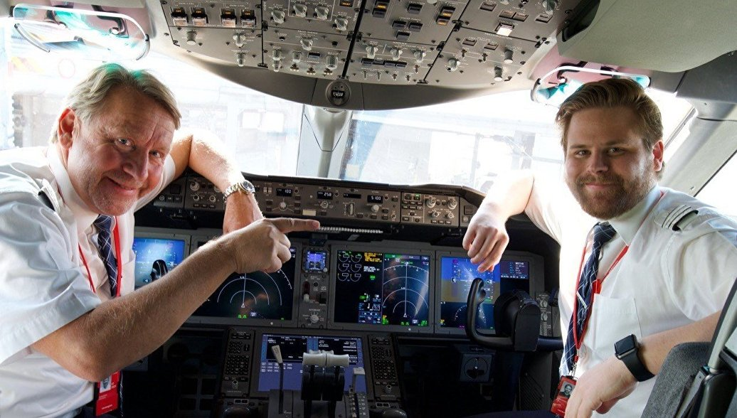 Капитан Свен Йоханнсон и его сын Эрик совершили рейс из Лондона в Нью-Йорк в День отца