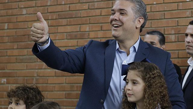 Кандидат в президенты Колумбии Иван Дуке. Архивное фото