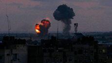 Взрывы в городе Рафах в южной части сектора Газа после атаки израильской авиации. 20 июня 2018