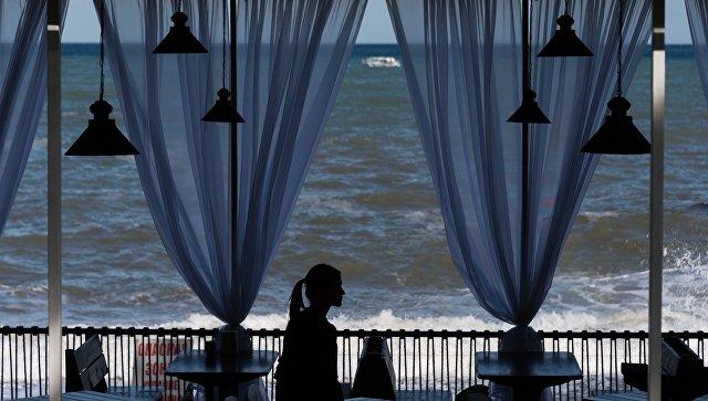 Кафе в Крыму. Архивное фото