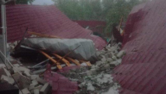 Последствия урагана в Брюховецком районе Краснодарского края. 2 июля 2018