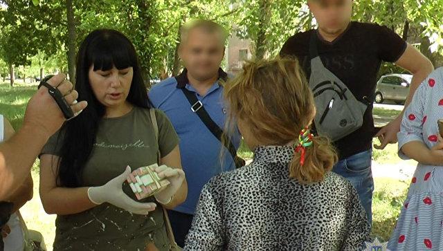 На Украине женщина пыталась продать сына, чтобы купить дом