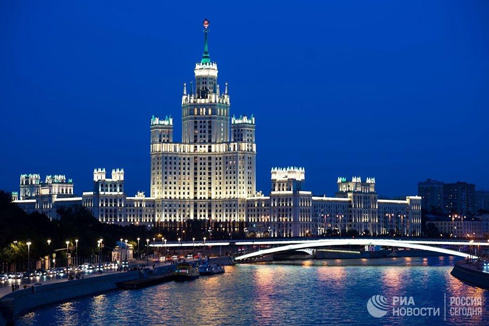 Высотка на Котельнической набережной в Москве