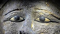 Маска жреца, найденная в одном из саркофагов в мастерской мумий