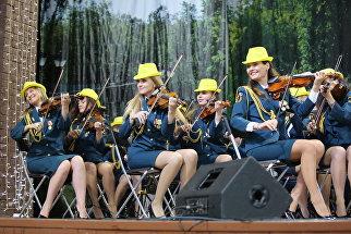 Выступление Показательного оркестра МЧС России в парке Культуры и отдыха Бабушкинский