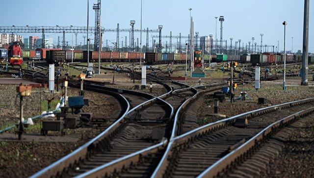 На западе Москвы поезд сбил мужчину