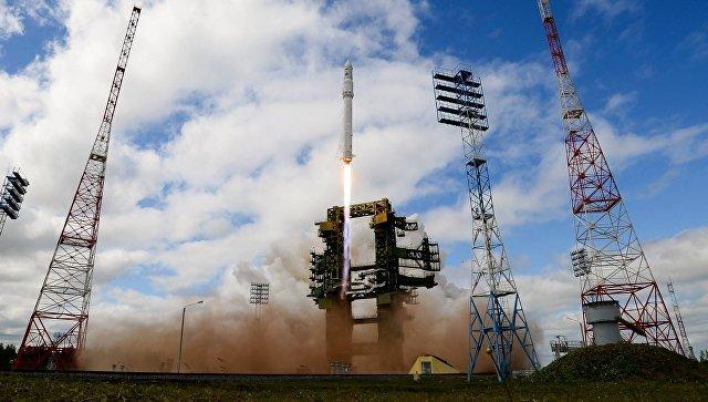 """""""Роскосмос"""" и РАН в течение трех месяцев подготовят лунную программу"""
