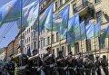 Служащие Воздушно-десантных войск во время праздничного шествия по Миллионной улице в Санкт-Петербурге