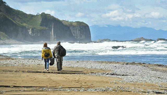 Мыс Столбчатый на берегу Охотского моря на западе острова Кунашир. Архивное фото