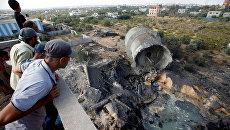 Последствия израильского авиаудара на окраине Газы. 9 августа 2018