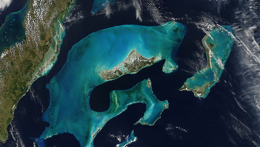 Багамские остроова из космоса
