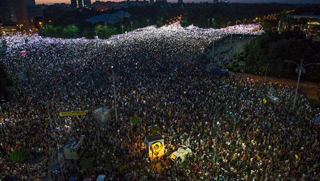 Антиправительственный митинг в Бухаресте. 12.08.2018