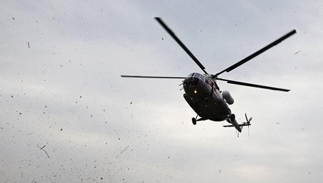 Вертолет вылетел на поиски людей, пропавших на Байкале во время шторма