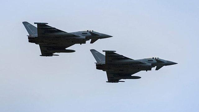 Пара истребителей Eurofighter Typhoon Королевских ВВС Великобритании. Архивное фото