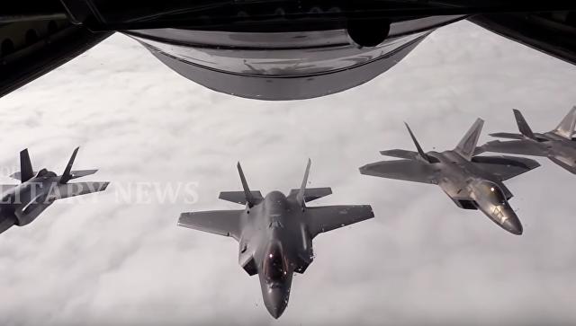 Опубликовано видео воздушного боя F-22 и F-35
