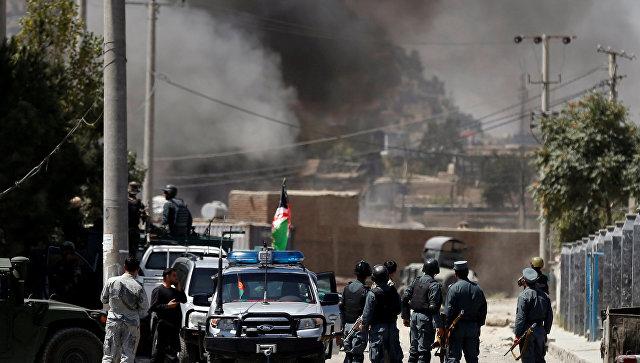 Дым на месте нападения в Кабуле. 21 августа 2018