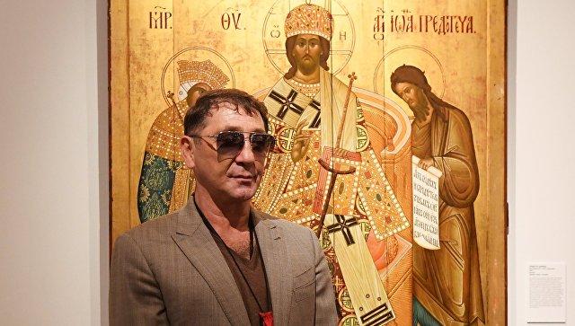 Певец Григорий Лепс на открытии выставки «Предивное художество: иконы из собрания Григория Лепса»