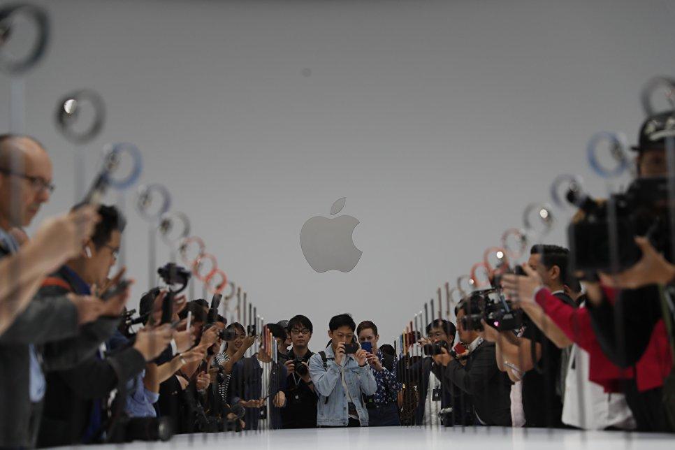 Демонстрация новых продуктов Apple после презентации в Купертино, Калифорния. 12 сентября 2018 года