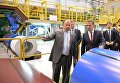 Председатель правительства России Дмитрий Медведев во время посещения Новолипецкого металлургического комбината