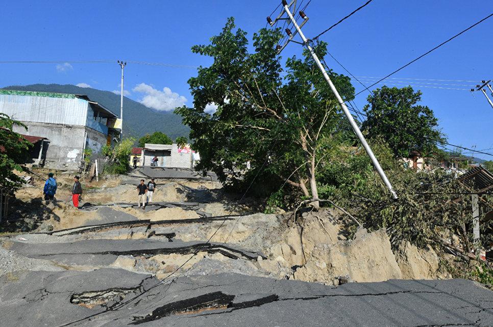 Последствия землетрясения на острове Сулавеси в Индонезии. 1 октября 2018 года
