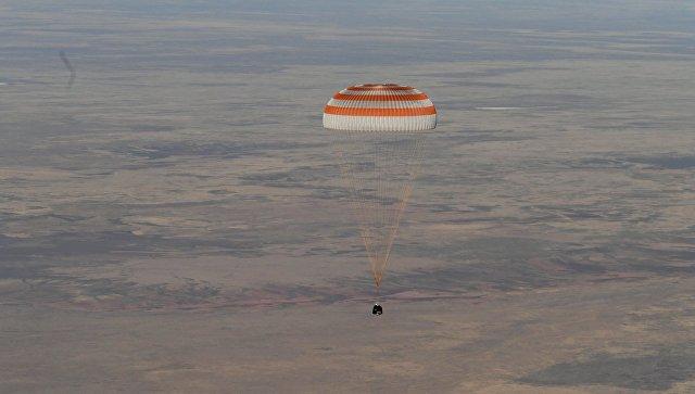 Возвращение экипажа космического корабля Союз МС-08. Архивное фото