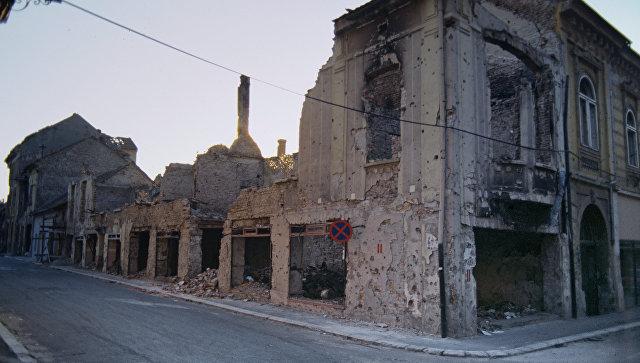Югославия. Разрушенные дома после обстрелов и бомбежки. Архивное фото
