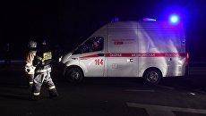 Машина скорой помощи на месте столкновения автобуса с фурой в Чувашии. 11 октября 2018